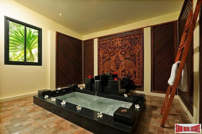Exquisite Four Bedroom Tropical Pool 25
