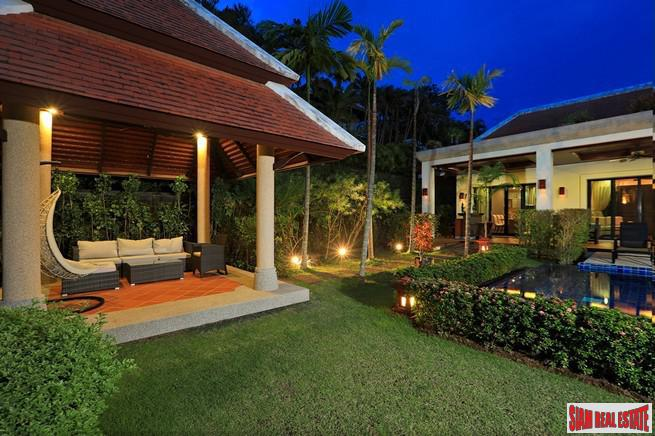 Exquisite Four Bedroom Tropical Pool 3