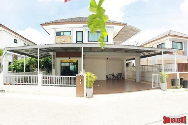 Large beautiful 3 bedroom house with 2 stories for sale - East Pattaya