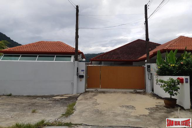 Large Three Bedroom House with 26