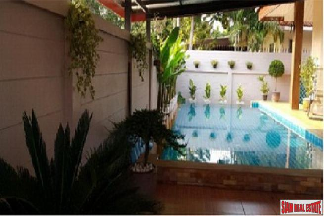 3 bedroom pool villa with 10
