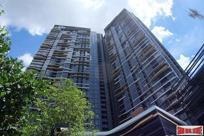 The Line Jatujak-Mochit | New Modern One Bedroom Condo a Five Minute Walk to MRT & BTS Mo Chit