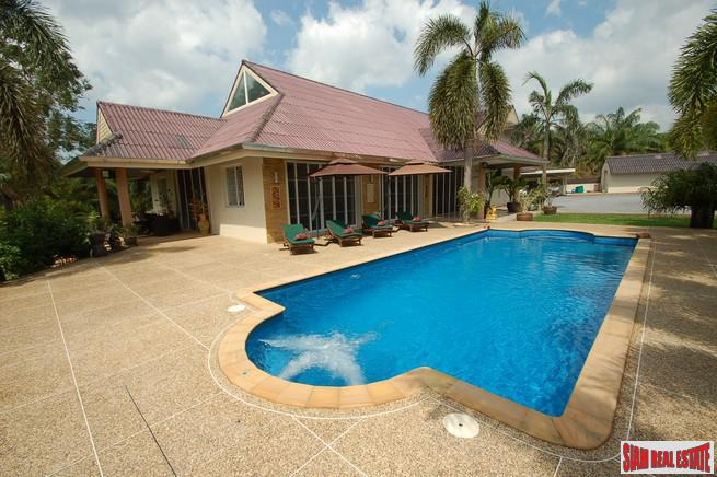 Six Bedroom Pool Villa for Sale in Ao Nam Mao with Separate One Bedroom Private Villa