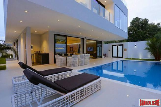 Beautiful luxury pool villa located at a beautiful famous area for sale - Phratamnak