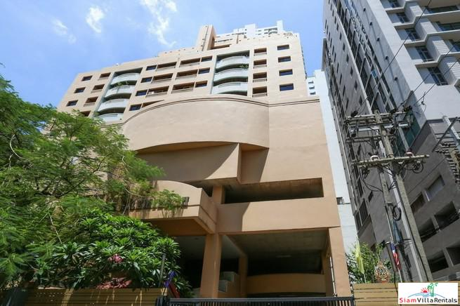 Spacious Three Bedroom Family Style Condo with Extra Storage in Thong Lo