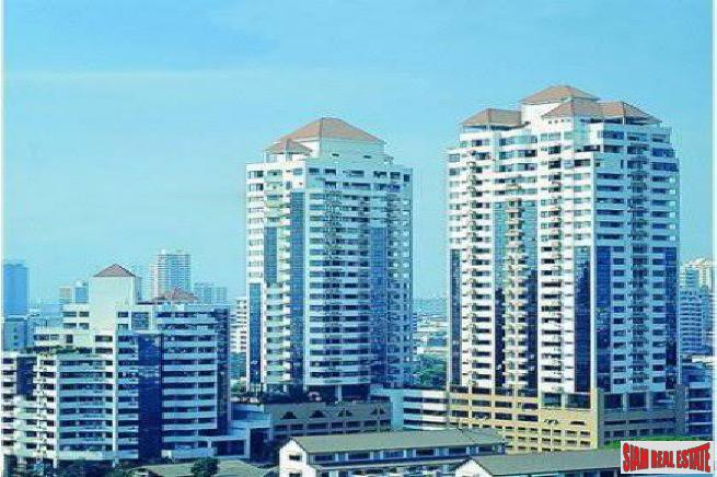 Waterford Park Sukhumvit 53 | Extra Large Two Bedroom Condo with Easy Access to Thong Lo Road