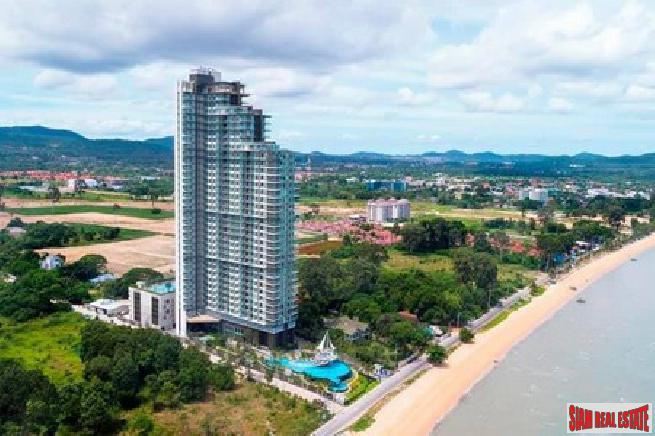 Beautiful 1 bedroom sea view condo with beach front for sale - Bangsaray
