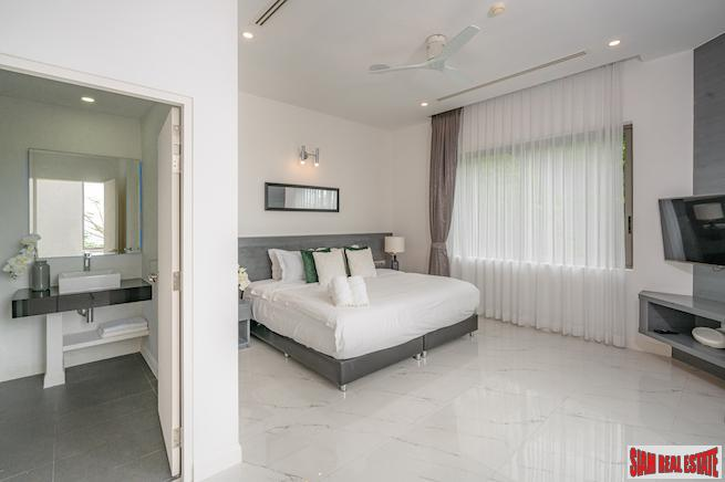 Incredible Sea Views from this 3