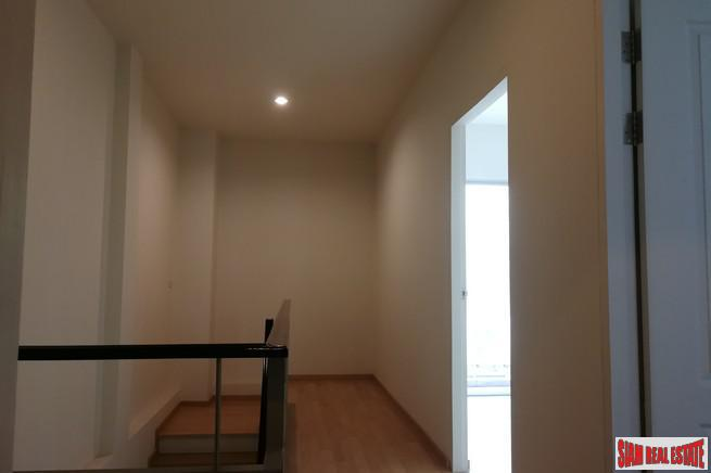 Large Unfurnished Three Storey, Three 10