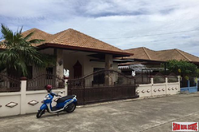 3 bedroom villa located at a very nice quiet and convenience areas for sale- East Pattaya