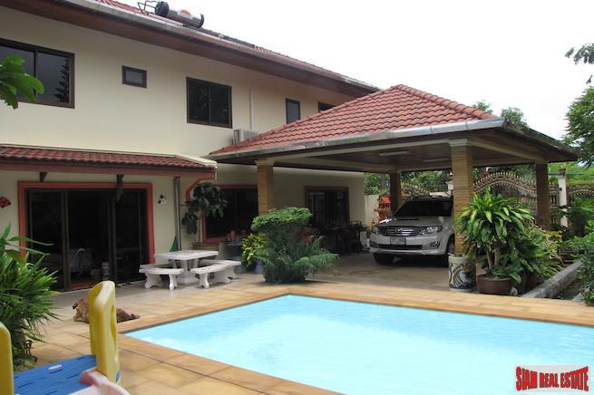 Five Bedroom Pool Villa on Large Land Plot in Kathu