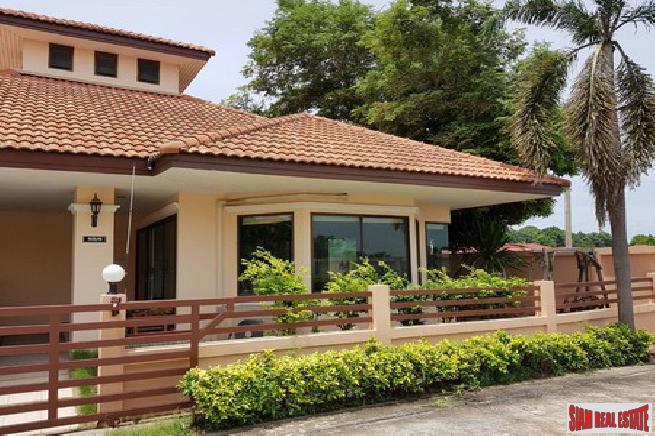2 bedroom house at a very convenience area for sale - East Pattaya