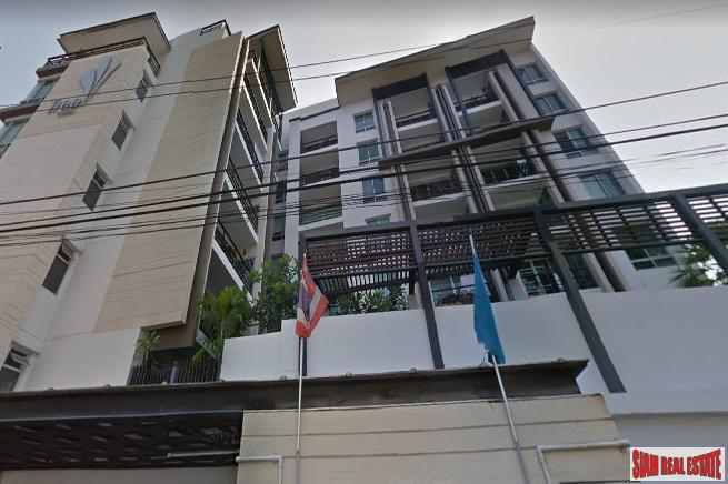 Large 2 Bed Condo on Pool Level with Garden Terrace Balcony at Sukhumvit 52