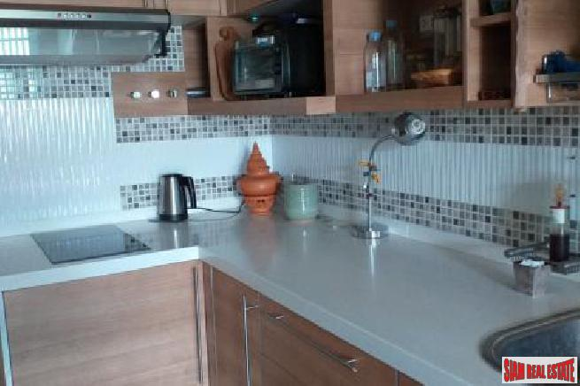 Large 2 Bed Condo on 11