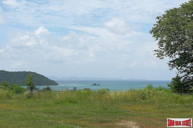 Spectacular Land Plot with Beachfront and Sea Views in Ao Yon, Phuket