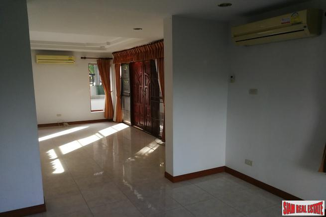 Three Bedroom House with Panoramic 18
