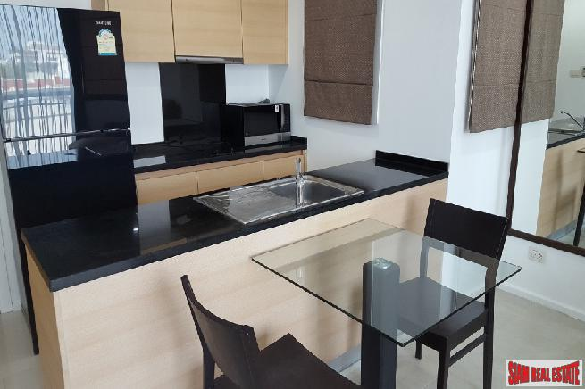 Recently Renovated 1 Bed Condo 2