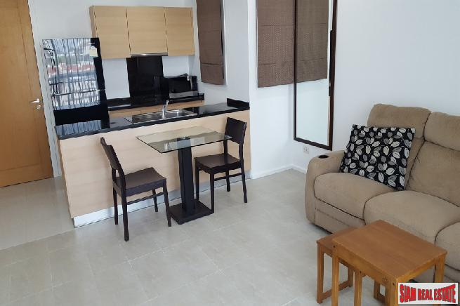 Recently Renovated 1 Bed Condo 3