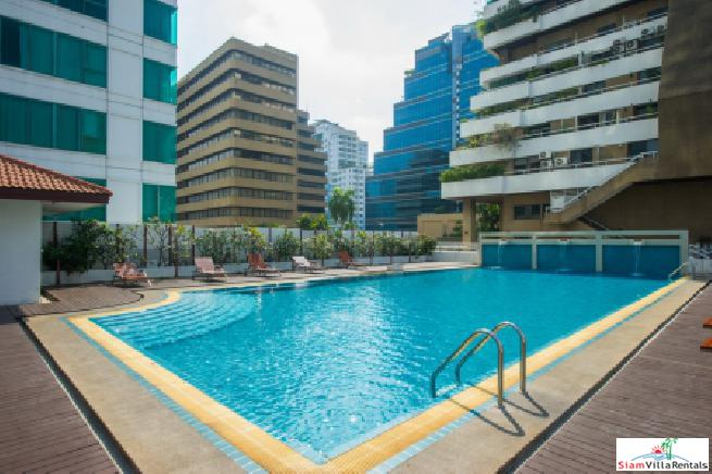 Spacious Bright Modern Condo for Rent in City Centre near MRT and Airport Link, Sukhumvit 21