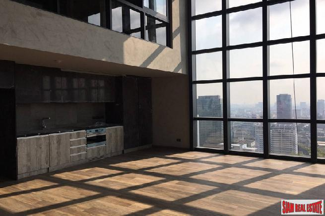 Luxury Newly Completed One Bed Duplex Corner Unit on High Floor at The Lofts Asoke by Raimon Land