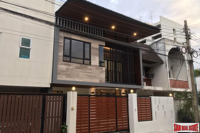 Bright and Contemporary Three Bedroom House for Sale in the Phra Khanong Area of Bangkok