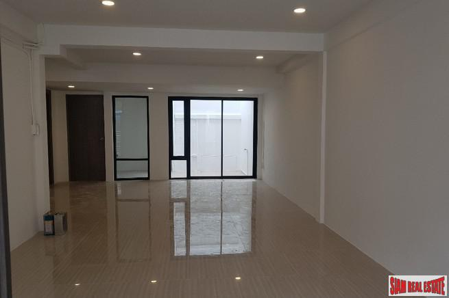 Bright and Contemporary Three Bedroom 6