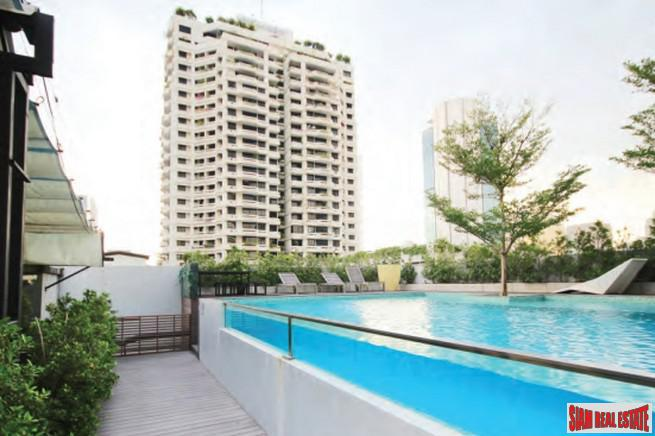 Large Two Bedroom Condo for 9