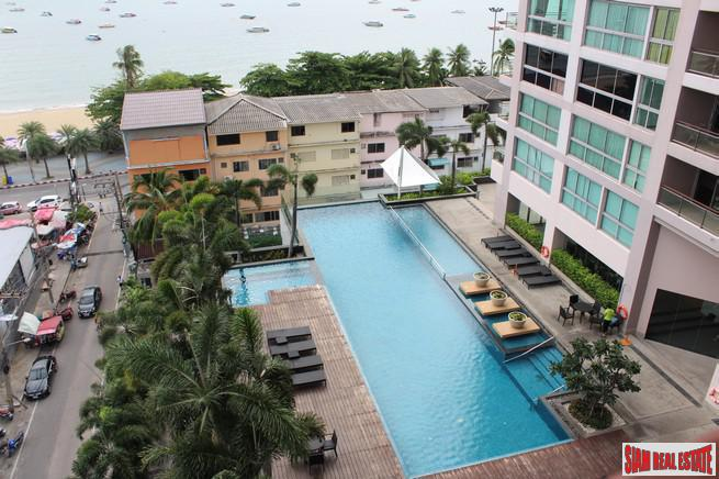 A Luxury 3 beds Condo For Sale Near Pattaya Beach