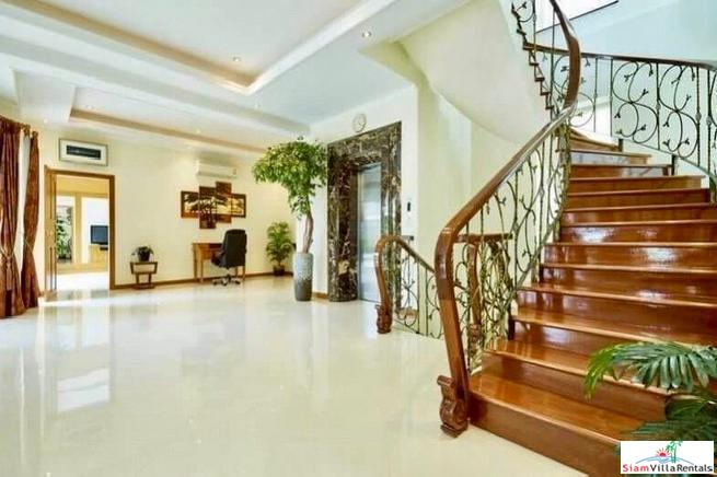 For Rent, Luxurious 930 sq.m. 12