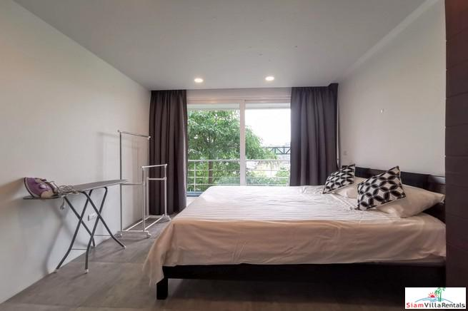 New Contemporary Two Bedroom Condo 11