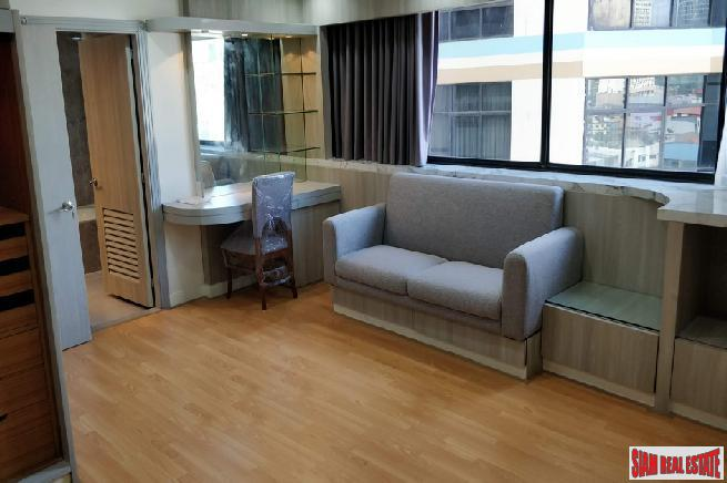 3 Bed Renovated Condo for 13