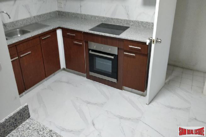 3 Bed Renovated Condo for 22