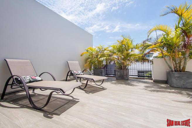 Lush Tropical Garden Views from this Three Bedroom Laguna Townhome