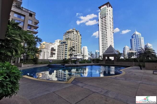 Large Two Bedroom Condo with City Views and Pet Friendly in Chit Lom