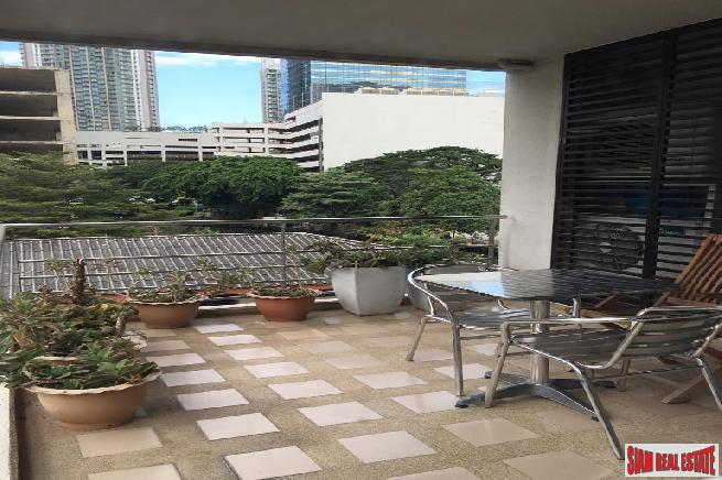 Large 2 Bed Condo at Sukhumvit 15, Nana/Asoke next to Water Taxi Pier and NIST School