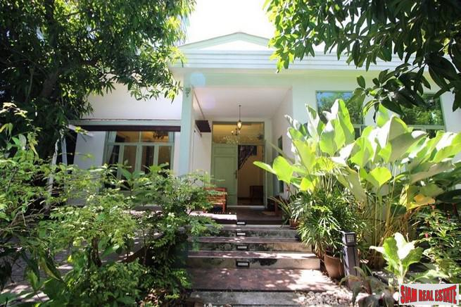 Three Bedroom Thai Tropical Style House for Sale in  Phaya Thai