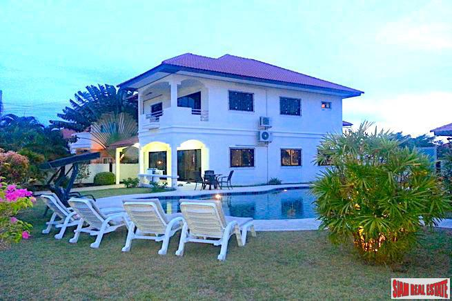 Spacious Two Storey Five Bedroom Home with Large Gardens and Swimming Pool for Sale in East Pattaya