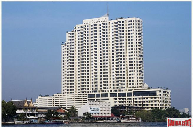 Chao Praya Riverfront Three Bedroom Corner Condo for Rent in Krung Thonburi