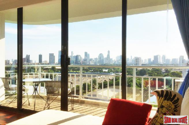 Lake Green Condo |  Spacious 2-Bedroom Condo with Amazing Views close to BTS Nana