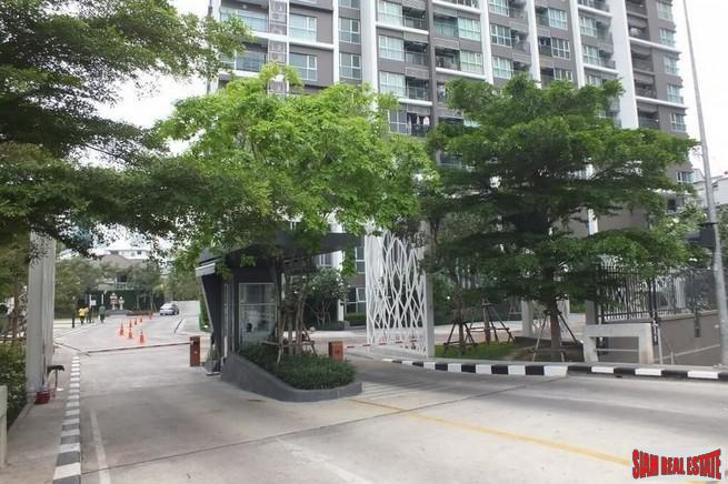 Aspire Rama9 | Contemporary Two Bedroom for Sale in a Great Phra Ram 9 Location