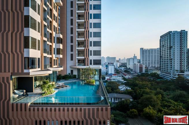 2 Bed Duplex at Newly Completed High-Rise Condo by Leading Developers at Chatuchak Park Area close to BTS and MRT, Excellent Facilities including Sport Arena