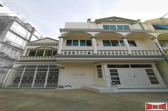 Three Storey Six Bedroom Home for Rent in an Excellent Sathupradit-Rama 3 Location