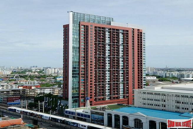 WYNE Sukhumvit | One Bedroom for Sale with Nice City and Pool Views in Phra Khanong