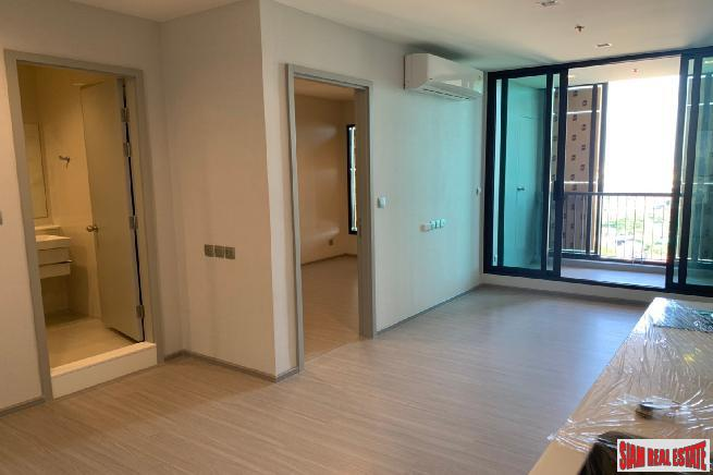 Life Sukhumvit 62 | 1 Bed Plus 39sqm Smart Condo for Sale at Sukhumvit 62 - Ready to Move In - 200 Metres to BTS Bang Chak - 20% Discount and last unit!