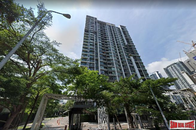 Aspire Rama 9 | Brightly Furnished One Bed Condo on 20th Floor with Closed Kitchen in Excellent Location of Rama 9