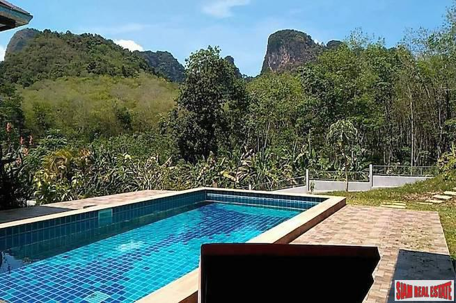 Large Three Bedroom Pool Villa with Spectacular Surrounding Mountain Views in Nong Thaley