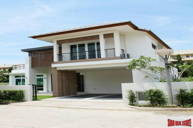 Seabreeze Villa Pattaya | Two Storey House for Rent with Private Pool in Banglamung, Pattaya - A Great Family Home