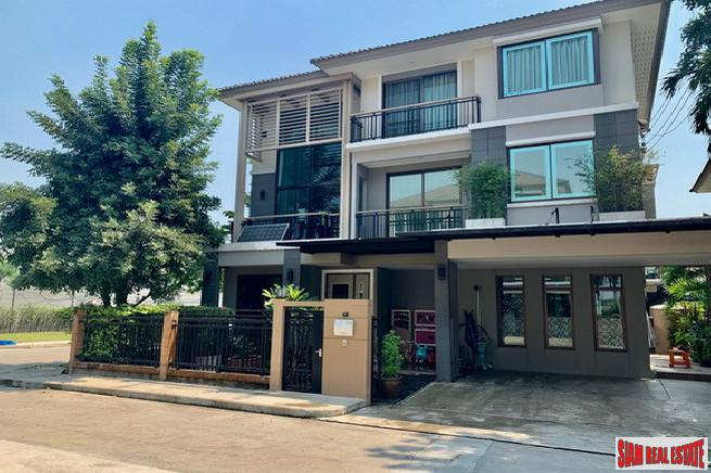 The Plant Elite Pattanakarn | Four Bedroom Modern House for Sale in Exclusive Suan Luang Estate