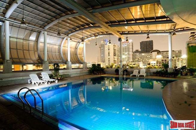 Master Centrium | Spacious One Bedroom for Rent in Asoke with Pool Views & Great Price