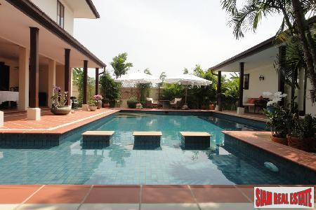 New Luxury Development of 5 Executive Private Villas in Hua Hin
